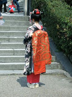 Kiyomizu: Maiko Attire by jpellgen on Flickr.