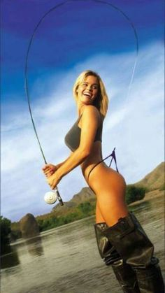 Fishing Girls: The Sexiest on the Net? Our Fishing Chicks Get Better And Better Fly Fishing Girls, Gone Fishing, Best Fishing, Fishing Tips, Fishing Lures, Fishing Stuff, Bikini Fishing, Fishing Pictures, Kayak Fishing
