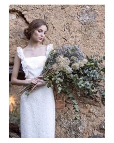 No sé que me gusta más si el vestido o el ramo   #goodnight #buenasnoches #wedding #weddingday #boda #bride #bridetobe #bridal #onedaybridal #onedaybride #novia #groom #bridaldress #vestidodenovia #DavidChristian #bouquet #flowers #flores #style #inlove #amazing #espectacular #beautiful #stunning #weddinginspiration #inspiration #love #like #picoftheday #siempremia