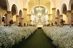An inexpensive grand luxurious entrance to your nuptials. Baby, breath taking! Purple Wedding, Wedding Bride, Wedding Flowers, Dream Wedding, Gypsophila Bouquet, Gypsophila Wedding, Aisle Style, Church Ceremony, Church Wedding