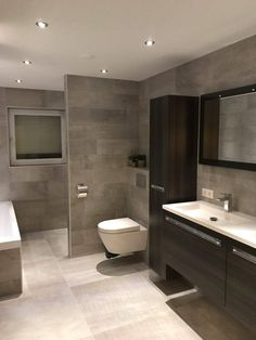 Incredible Small Bathroom Style That Will Rock Your Home - - Badezimmer - Bathroom Decor Bathroom Layout, Modern Bathroom Design, Bathroom Interior Design, Bathroom Ideas, Shower Ideas, Bathroom Organization, Bathroom Mirrors, Bathroom Storage, Bathroom Cabinets