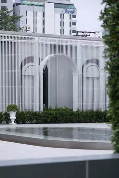 Entrance Design, Facade Design, Exterior Design, Facade Architecture, Concept Architecture, Casa Azuma, Modern Tropical House, Retail Facade, Facade Lighting