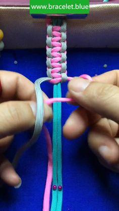 Diy Crafts Jewelry, Diy Crafts For Gifts, Bracelet Crafts, Macrame Bracelet Diy, Macrame Bracelet Patterns, Diy Friendship Bracelets Tutorial, Diy Bracelets Easy, Braided Bracelets, Paracord Bracelets