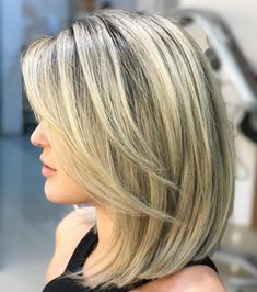 Blonde Lob With V-Cut Layers