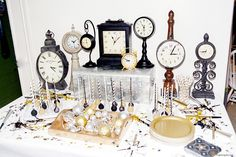 New Years Eve Party Ideas including decorations, games, printables, and food to ring in the new year! Party Hire, Big Party, New Years Eve Day, New Years Eve Decorations, New Year's Eve Celebrations, Joy, Fireplace Mantel, Norfolk, Clocks