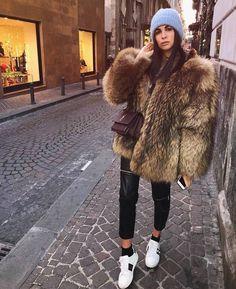 Brown Fur Coat, Fox Fur Coat, Fur Coats, Cute Casual Outfits, Stylish Outfits, Pretty Outfits, Beautiful Outfits, Fur Fashion, Autumn Fashion