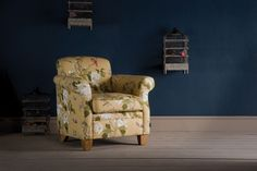 Invigorate your living space ready for spring. Add a dash of fresh greenery with The Vintage Tree Peony Armchair - SHOP here» http://www.indigofurniture.co.uk/the-vintage-tree-peony-armchair?utm_source=social&utm_campaign=wintersale&utm_medium=photo #room #indigofurniture #botanical #darkwalls #interiordesign #homedecor #home #armchair #pattern #fabric #textiles #design #art #print #seating #furniture #bright #floral