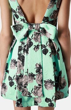mint green & a bow back // such a perfect dress!