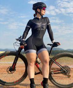 Bicycle Women, Bicycle Girl, Curvy Women Fashion, Girl Fashion, Spandex Girls, Pernas Sexy, Arab Girls Hijab, Cycling Girls, Biker Girl