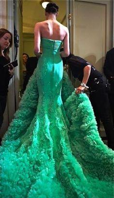 Cualquier vestido de noche puede ser tu vestido de novia ¡¡Y serás única!! -Georges Hobeika