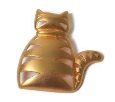 JJ Gold Tone Kitty Cat Brooch Pin Jonette Jewelry Company Vintage