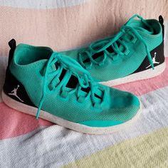 99bc0a150c0 Jordan Shoes | Girls Jordan Reveal Basketball Shoes | Color: Blue/Green |  Size