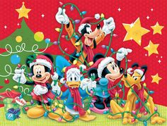 Ceaco Disney Family Christmas Puzzle - Puzzle Haven Disney Merry Christmas, Disney Christmas Decorations, Minnie Mouse Christmas, Christmas Cartoons, Mickey Mouse And Friends, Disney Holidays, Christmas Jigsaw Puzzles, Christmas Puzzle, Christmas Art