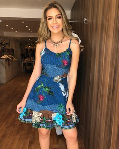 Novidades na loja!!😍❤️ . . 👉🏻Vestid Fashion Mode, Modest Fashion, Look Fashion, Fashion Dresses, Bohemian Dresses Short, Short Dresses, Summer Dresses, Casual Summer Outfits, Chic Outfits