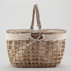 Gray Willow Picnic Basket - World Market Modern Picnic Baskets, Wicker Picnic Basket, Wedding Gift Baskets, Wedding Gifts, Wedding Dj, Wedding Cake, Summer Wedding Guests, Picnic Time, Picnic Parties