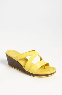 Love! these yellow shoes, they would go with everything!