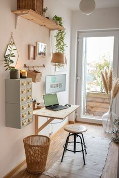 Set up home office in a small space - Leelah Loves - Furnishing ideas for the DIY home office in the smallest space with homemade decoration in a hygge - Hygge, Ideas Para Organizar, My New Room, Office Decor, Office Set, Home Furnishings, Small Spaces, Living Room Decor, Sweet Home