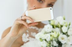 O que a noiva deve postar no Facebook? Será que existem limites para as redes sociais e casamentos?