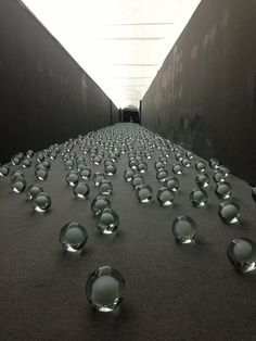 ^Hani Rashid — installation of 700 snow balls