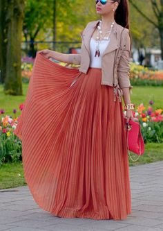 29 Ways to Style Your Maxi Skirts – Fashion Style Magazine - Terra cotta pleated maxi skirt with white top and nude moto jacket / Fall outfit / Date Night / Going Out Mode Outfits, Skirt Outfits, Fashion Outfits, Womens Fashion, Fashion Ideas, Dress Fashion, Stylish Outfits, Outfits 2014, Hijab Fashion