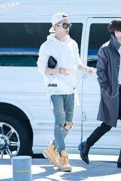 150909 Jonghyun SHINee @ Incheon Airport