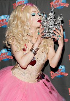 Jinkx Monsoon and her crown