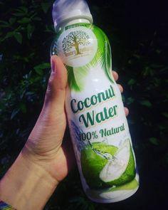 "9 Likes, 1 Comments - brusinky Ⓥ (@brusinky) on Instagram: ""Pura vida😋😍 #coconutwater #aguadecoco #vegan #eatplantsnotanimals #govegan ##madrid"""