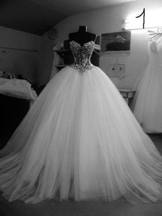 Charming Crystal White Ball Gowns 2015 Wedding Dresses Sweetheart Beaded Princess Tulle Sweep Train Bling Wedding Gown Custom Made Cute Wedding Dress, Stunning Wedding Dresses, Princess Wedding Dresses, Dream Wedding Dresses, Beautiful Gowns, Bridal Dresses, Wedding Gowns, Luxury Wedding Dress, Bling Wedding