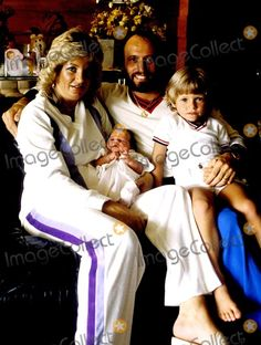 Maurice Gibb with his wife Yvonne and their son Adam (age 4) and new baby daughter Samantha in 1980