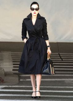 Dita Von Teese Talks Dressing Like a 'Normal Girl' on Halloween: Photo Dita Von Teese looks pretty and polished as she lands at LAX airport on Sunday (October in Los Angeles. The burlesque beauty returned to the States… Fashion Mode, Retro Fashion, Vintage Fashion, Womens Fashion, Retro 50, Dita Von Teese Style, Dita Von Tease, Capsule Wardrobe, Belle Silhouette