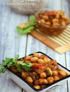 In case you have been wondering… yes, it is possible to make delicious, aromatic chole even without onions!