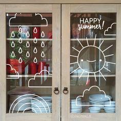 Weer of geen weer, de zomer moet gevierd worden! Teken deze lieve zon, wolk en…