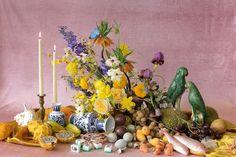 Florist Duo Putnam & Putnam On DIY Florals For Your Home Flower Tower, Flower Boutique, Hand Tied Bouquet, Cute Dorm Rooms, Diy Flowers, Floral Design, Set Design, Floral Arrangements, Vibrant Colors
