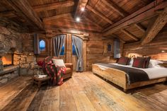 Sharing my obsessive love of rustic cabin life through photos and art I have collected. Wooden Bedroom, Log Cabin Homes, Log Cabins, Log Cabin Bedrooms, Cabin Interiors, Cabins And Cottages, My Dream Home, House Plans, Interior Design