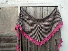 Gabriella by Loredana Gianferri, knitted by Kunibert   malabrigo Arroyo in Black, Sand Bank and English Rose