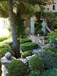 the upper terrace nicole de vesian garden cloud pruning boxwood topiary