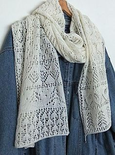 Advent Calendar scarf - complete pattern in english and german. Free.