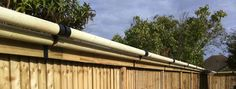 Katzecure Home Keeping Cats Secure With Elegant Cat Proof Fencing in size 1500 X 566 Cat Fence Topper Roller - Based on what you would like your fencing Dog Proof Fence, Cat Fence, Deer Fence, Contemporary Fencing, Decorative Garden Fencing, Outdoor Cat Enclosure, Types Of Fences, Fence Styles, Cat Garden
