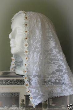 Childs-Daisy-Chain-Chapel-Veil-Mantilla-Head-Covering-Latin-Mass-1st-Communion