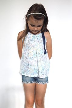 {sewn} – Quick summer top made of double gauze, free sewing instructions and g … - embroidery Diy Projects For Kids, Crafts For Girls, Diy For Kids, Kids Crafts, Sewing For Kids, Free Sewing, Stylish Dresses, Trendy Outfits, Wallpaper World