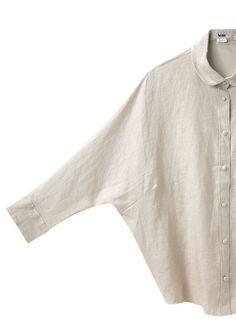 --o- acne pre-spring linen top- armpit dart haha! One-piece pattern essentially is nice, but wasteful of fabric I would think? Minimalist Wardrobe, Minimalist Fashion, Minimalist Style, Only Shirt, Diy Vetement, Moda Chic, Fashion Details, Fashion Design, White Shirts