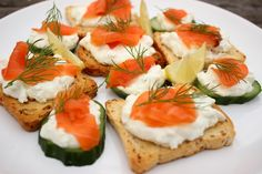 Caprese Salad, Bruschetta, Sushi, Toast, Ethnic Recipes, Insalata Caprese, Sushi Rolls