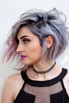 Classy and Fun A-Line Haircut Ideas And Hairstyles for Any Woman ★ See m… - Frisuren Mittelemo Hair Styles 2016, Medium Hair Styles, Curly Hair Styles, Funky Short Hair Styles, Hair Medium, Silver Ombre Hair, Gray Ombre, Purple Ombre, Short Silver Hair