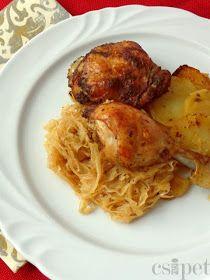 egycsipet: Savanyú káposztával rakott csirke Meat Recipes, Recipies, Hungarian Recipes, Hungarian Food, Poultry, Turkey, Food And Drink, Tasty, Treats