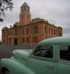 De Oude Huize Yard: Harrismith history and fancy Driving