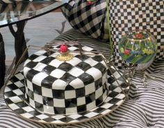 Courtly Check covered cake plate... Sweet!