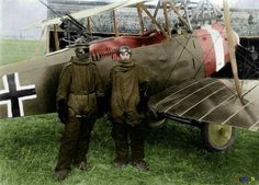 German pilot Richard Scholl and his co-pilot Lieutenant Anderer, in flight gear beside their Hannover CL.II biplane in ~ colourized photo World War One, First World, Fokker Dr1, Ww1 Soldiers, Air Festival, Korean War, Luftwaffe, Military History, Military Aircraft