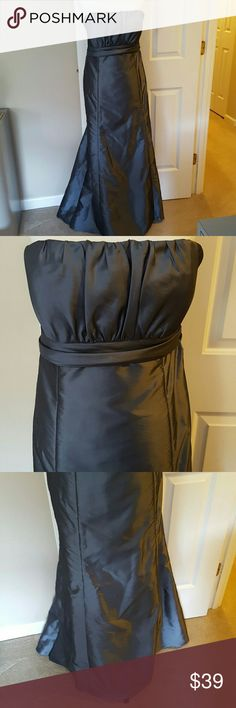 Prom/Bridesmaid/Formal Gown Any formal occasion floor length satin strapless gown. Sewn in cups. Double zip back to hold up. Worn once Amsale Dresses Strapless