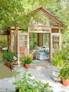 20 Outstanding Garden Retreat Designs For Real Enjoyment & Relaxation