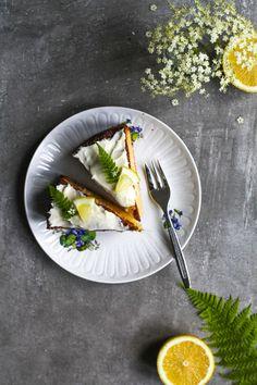 ... lemon elderflower cake ...